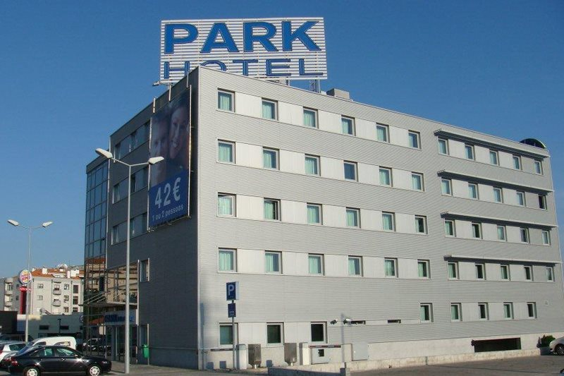 Oporto gaia park hotel for Appart hotel park and suites